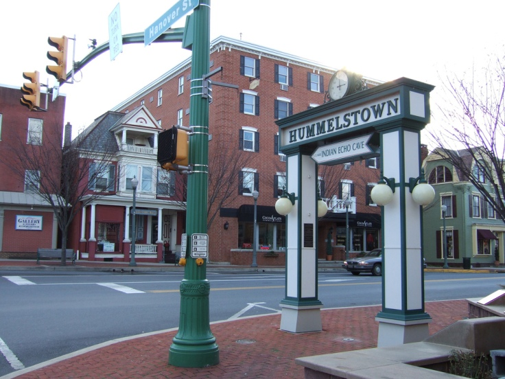 Hummelstonw Square. Photo by Jayu from Harrisburg, PA, U.S.A. (Hummelstown, Pennsylvania) [CC BY-SA 2.0 (http://creativecommons.org/licenses/by-sa/2.0)], via Wikimedia Commons